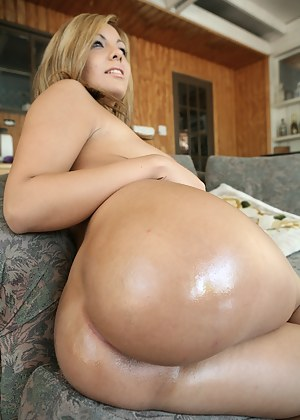 Pics milf big ass Milf Boobs